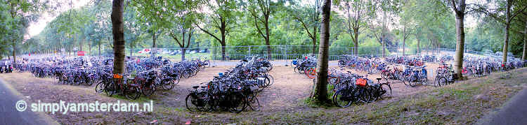 Mega bike parking @ dance festival Spaarnwoude