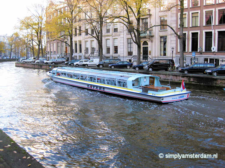 Canal tour boat (company Lovers)