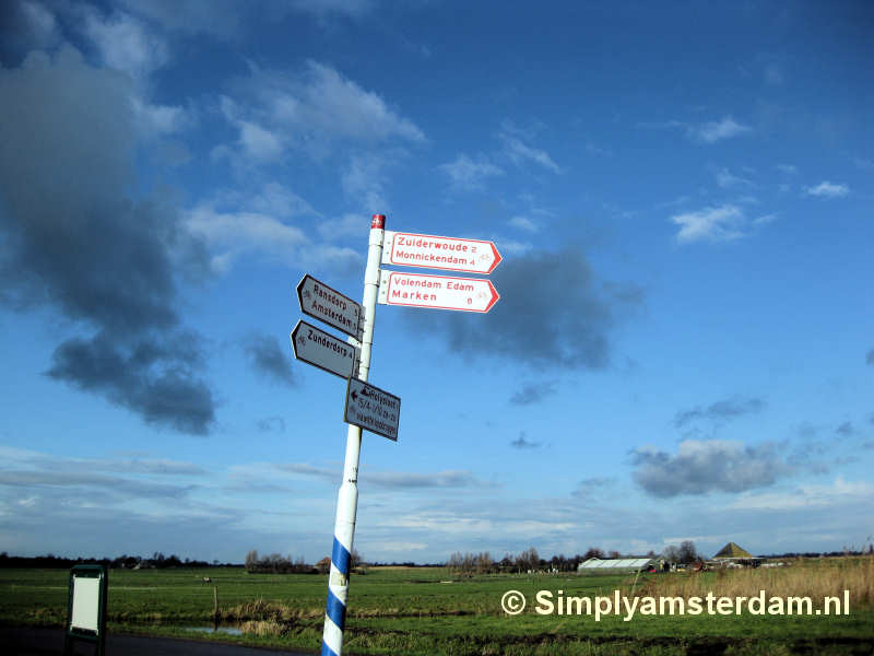 Cyclist signposts
