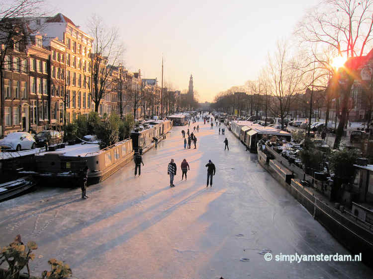 Ice skating near Noordermarkt square, on Prinsengracht canal.