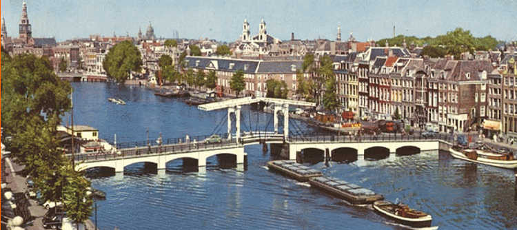 Magere Brug and river Amstel