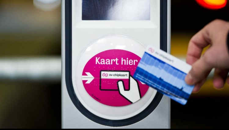 Paper tickets no longer for sale in tram and buses in Amsterdam