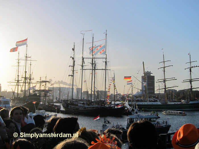 Tall ships in the IJ