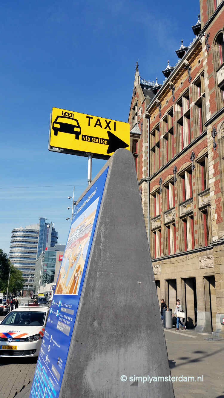 Sign pointing to new taxi stand location