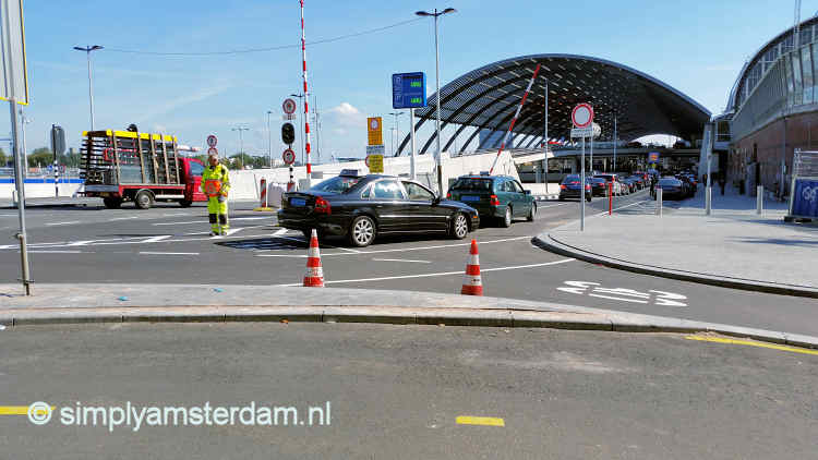 Taxi waiting line @ Amsterdam Centraal Station