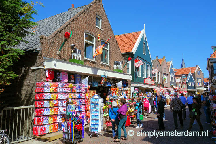 Souvenir shop in Volendam