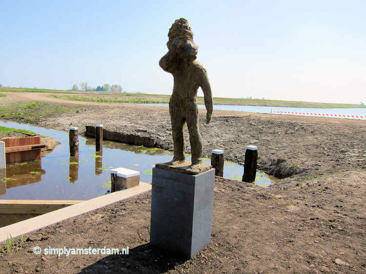 Statue for peat labourer at Volgermeerpolder